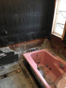 浴室施工中1